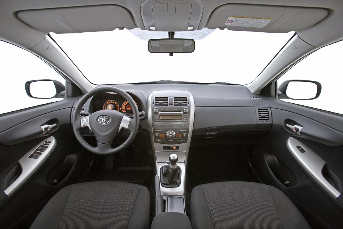 Cambios en el Corolla Sedán. Nueva versión 1.3 de gasolina con stop/start