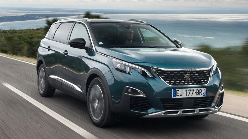 peugeot-5008-2017-emerald-chrystal-frontal-lateral
