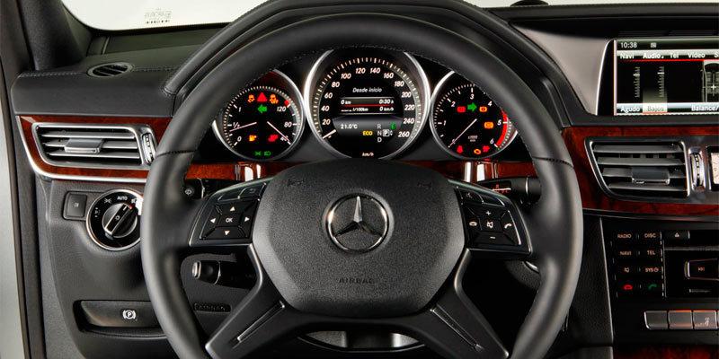 Mercedes benz clase e 2013 impresiones del interior for Interior mercedes clase a