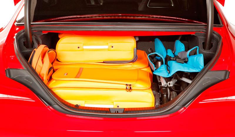 Coupé2013Impresiones del CLA interior Mercedes Benz DHW2IYE9