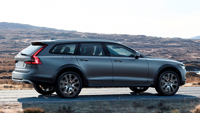 volvo-v90-cross-country-posterior-lateral
