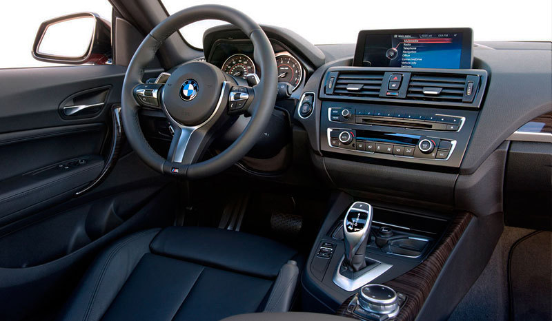 Bmw serie 2 coup 2014 m235i for Bmw serie 9 interieur