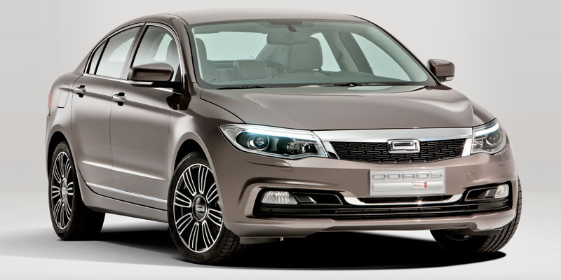 qoros-3-sedan-lateral-frontal