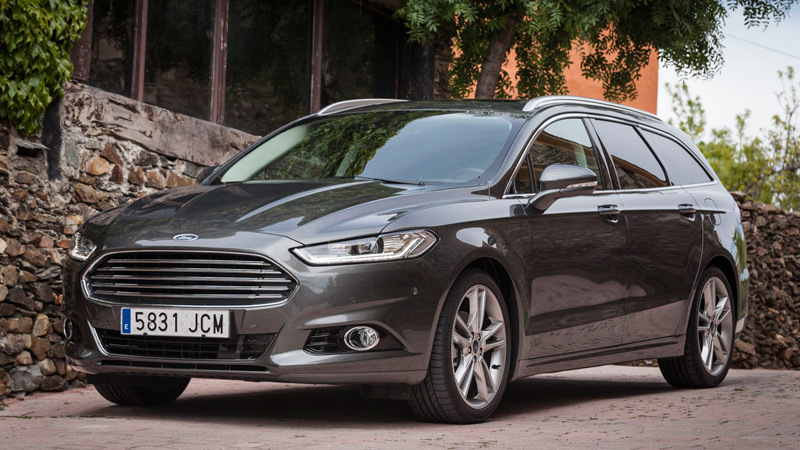 Foto de - ford mondeo 2015//www.km77.com/images/medium/8/9/6/1/ford-modeo-wagon-ecoboost-240-estatica.318961.jpg