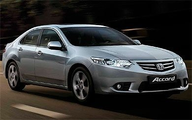 Foto Honda Accord Sedán 2.2 i-DTEC Luxury Aut. (2012-2015)