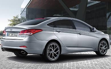 Foto Hyundai i40 Sedán 1.6 GDi 99 kW (135 CV) Klass (2018)