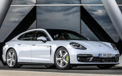 Foto Porsche Panamera 4 E-Hybrid (2020)