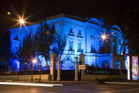 La embajada «azzurra». Una terraza para Madrid.