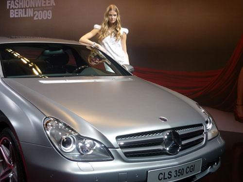 Julia Stenger. Mercedes-Benz CLS.