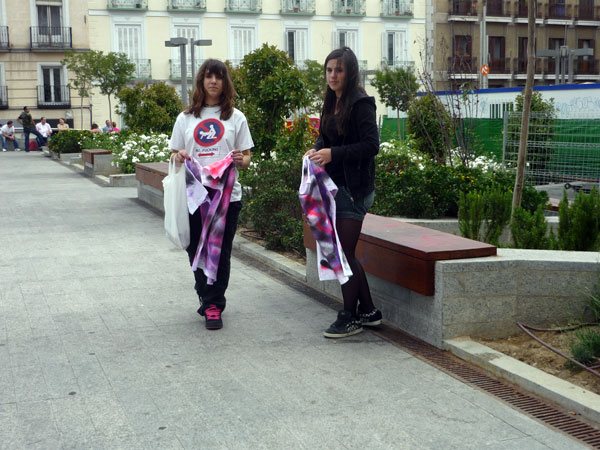 Camisetas Pintadas 6. Plaza Santo Domingo.  Madrid.