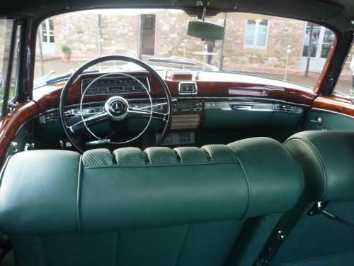 Mercedes Clásico salpicadero