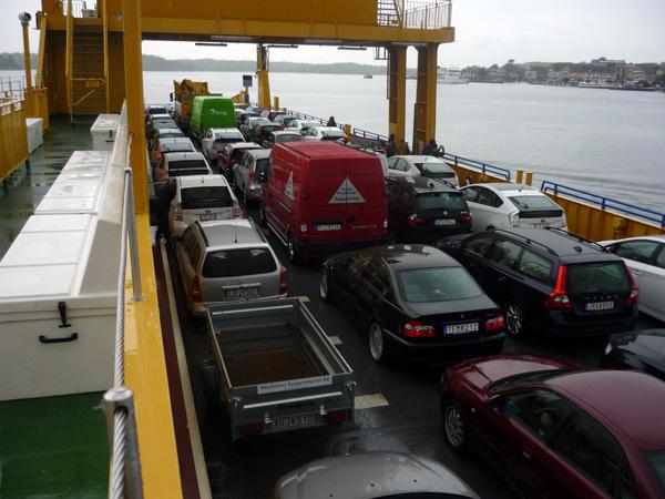 Ferry cargado. Suecia.