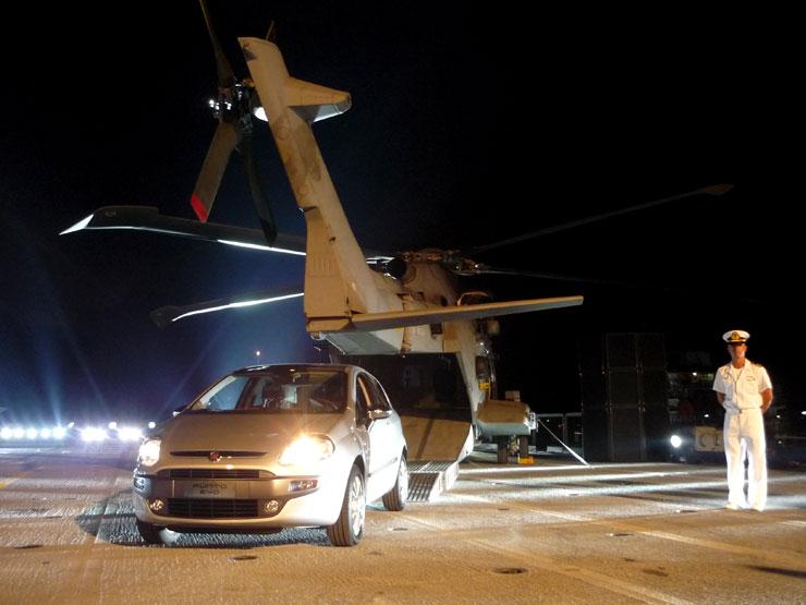 Fiat Punto Evo. Helicóptero. Cavour.
