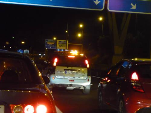 La Guardia Civil ralentiza el tráfico.