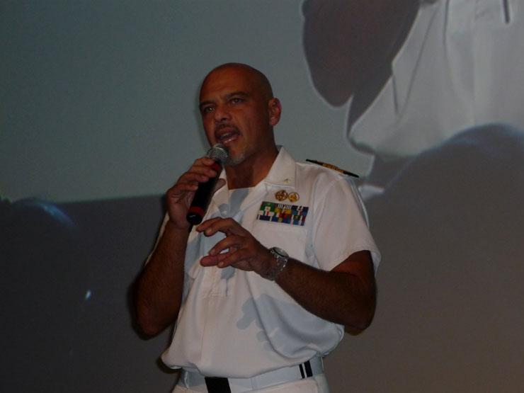 Gianluigi Reversi. Comandante del portaaviones Cavour.