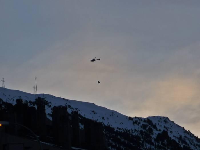 Helicóptero en 1800. Baqueira.