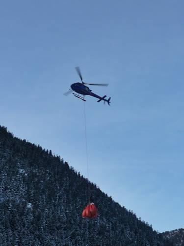 Baqueira 1500. Helicóptero Cargado