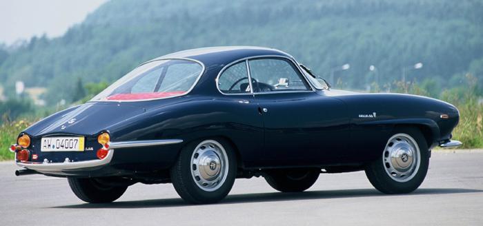 El más elegante y menos deportivo Giulia SS tenía cola larga y en progresiva disminución, aunque su remate final ya apuntaba un esbozo de diseño Kamm.