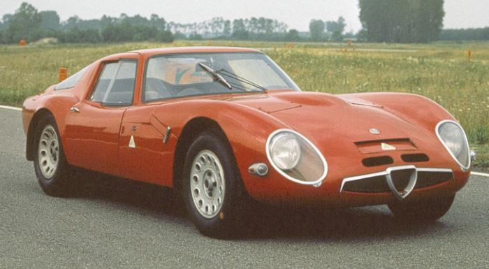El frontal del Giulia Tubolare Zagato está muy perfilado, para no romper demasiado el flujo laminar de aire.