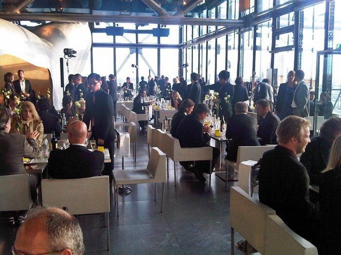 Cena en el Centro Pompidou.  VIPs de ocasión.
