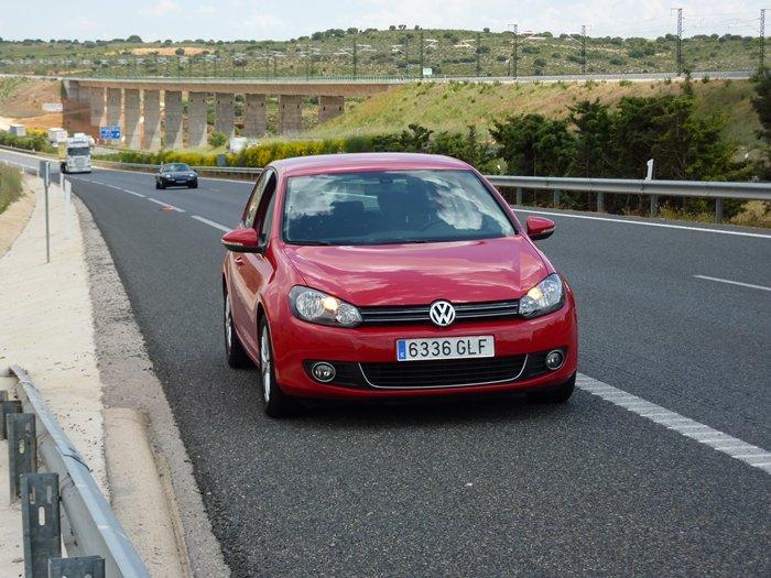 Volkswagen Golf 100.000 kilómetros. Averiado.