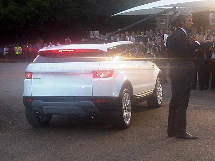 02-Range-Rover-Evoque-3-4-trasero