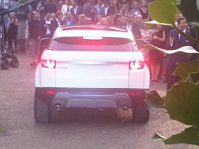 03-Range-Rover-Evoque-trasera