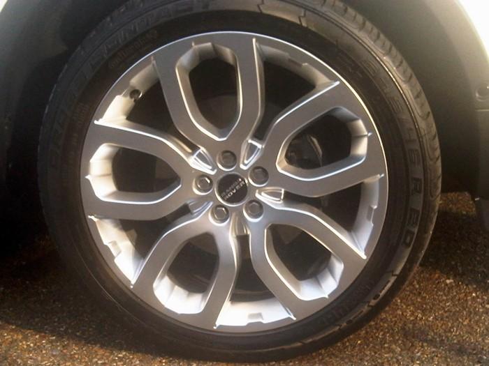 Llanta y neumático. Range Rover Evoque.