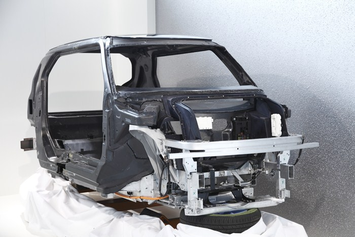 MCV, de BMW. Vista 3-4 delantera