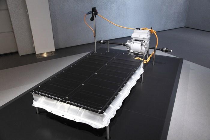 MCV, de BMW. Disposición de las baterías y el motor eléctrico