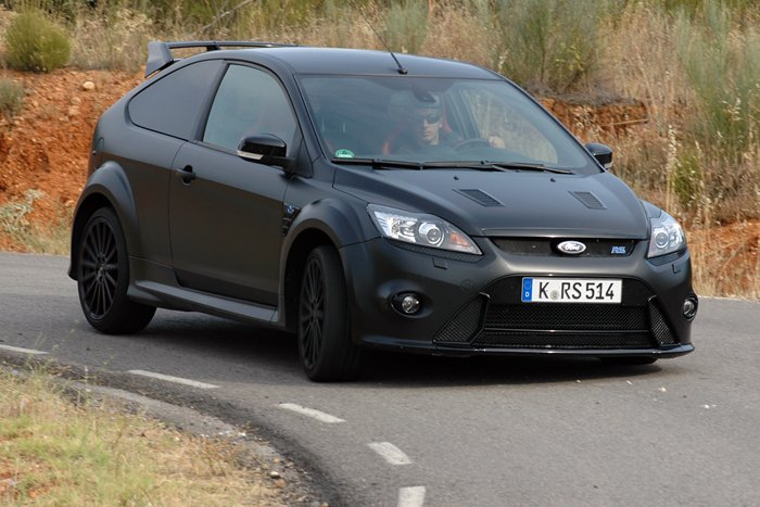Ford Focus RS500. Paso por curva.