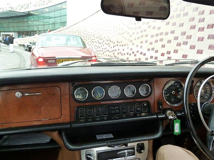 Jaguar XJ6 S1. 1968. Sir William Lyons. Salpicadero.