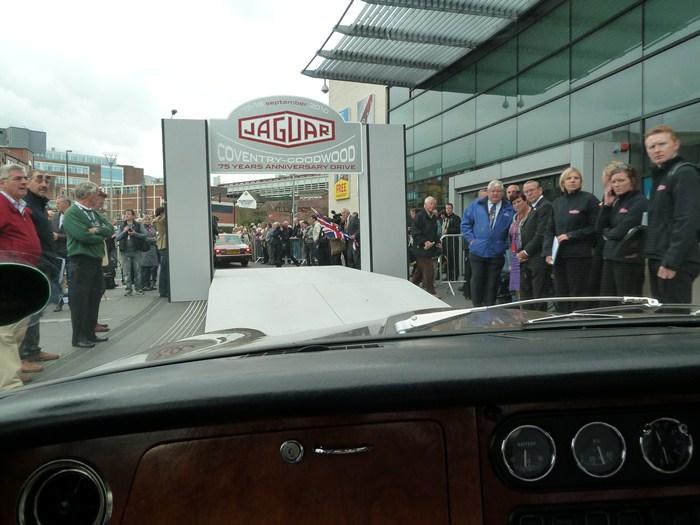 75 aniversario de Jaguar. Salida.