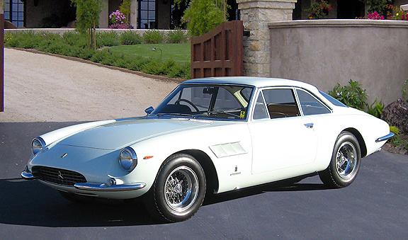 """Ferrari 500 Superfast: el más """"bestia"""" de los años 60."""