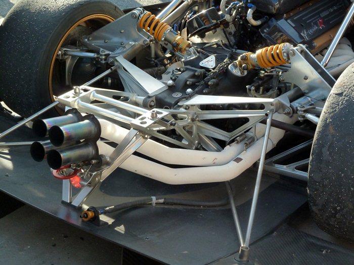 Pagani Zonda R. 12 cilindros y cuatro escapes