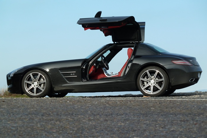 Mercedes-Benz SLS AMG Lateral