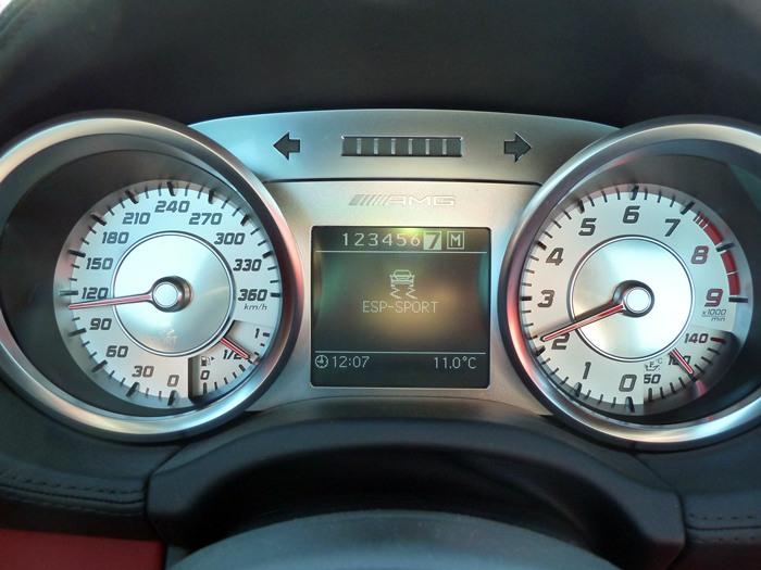 Mercedes-Benz SLS AMG Instrumentacion