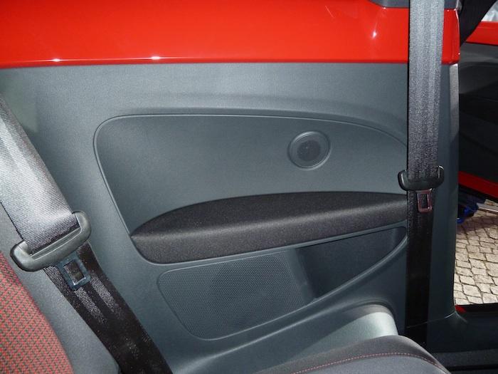 Volkswagen Beetle. Panel lateral posterior.