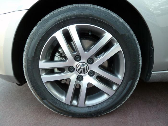 Volkswagen Golf Cabriolet. Llanta de aleación 16 pulgadas