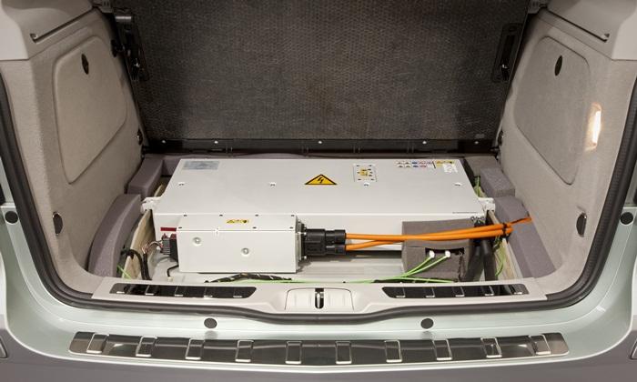 Mercedes-Benz Clase B F-Cell. Batería en el maletero.