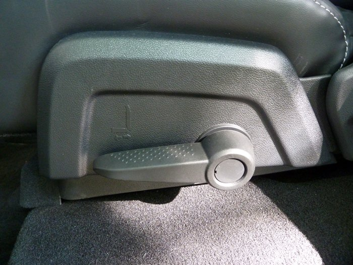 Fiat Freemont. Palanca, asiento