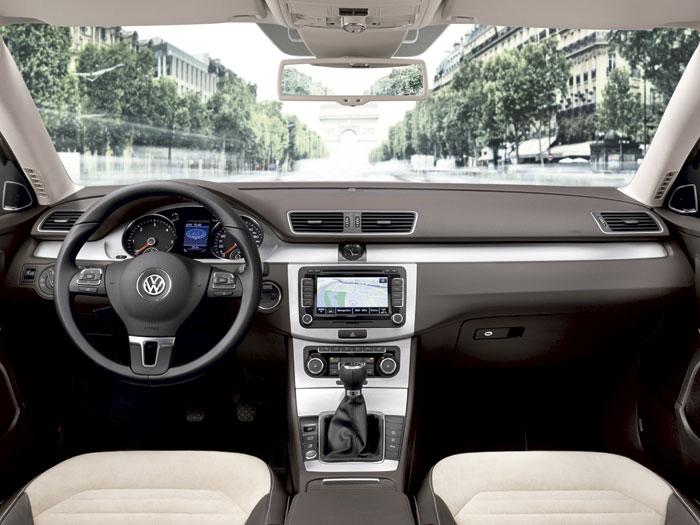 Volkswagen Passat 2.0-Tdi 140 CV BMT. Interior