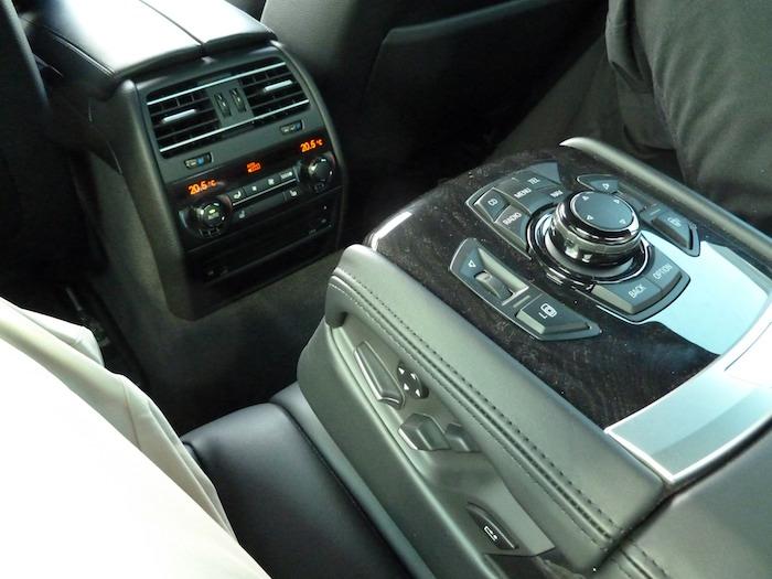 BMW 750 i Mandos asiento posterior