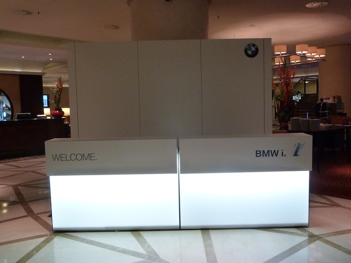 BMW i. Hotel Marriott. Desk BMW