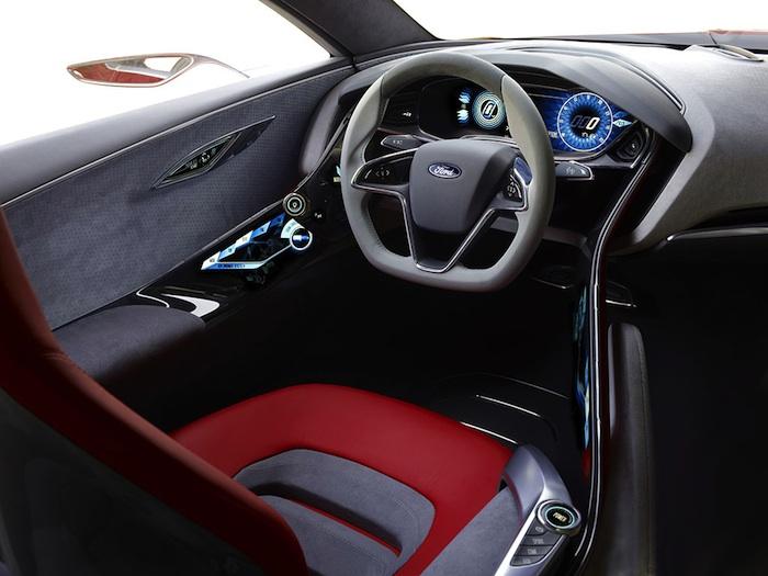 Ford EVOS Concept. Asiento del conductor