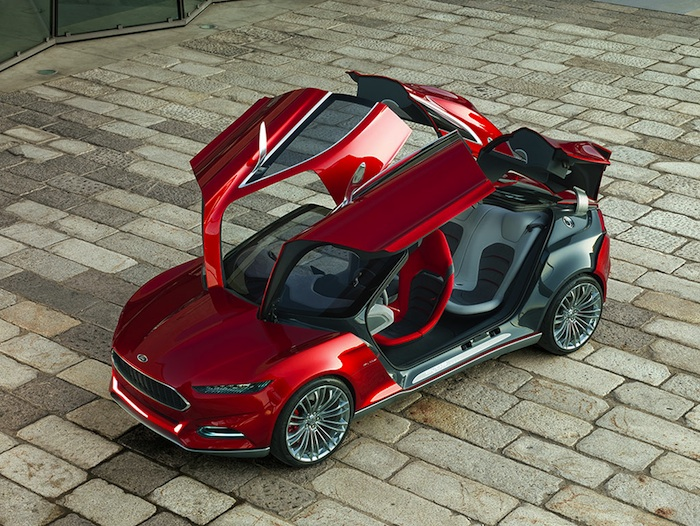 Ford Evos Concept. Cuatro puertas en alas de gaviota.