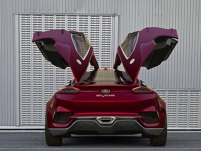 Ford EVOS Concept. Vista posterior. Puertas abiertas.