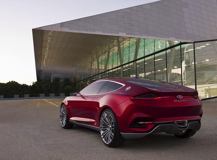 Ford EVOS Concept. Vista tres cuartos posterior