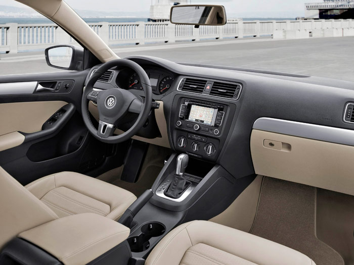 Prueba interesante (1): Volkswagen Jetta Sport 2.0 Tdi. Interior - Delantera