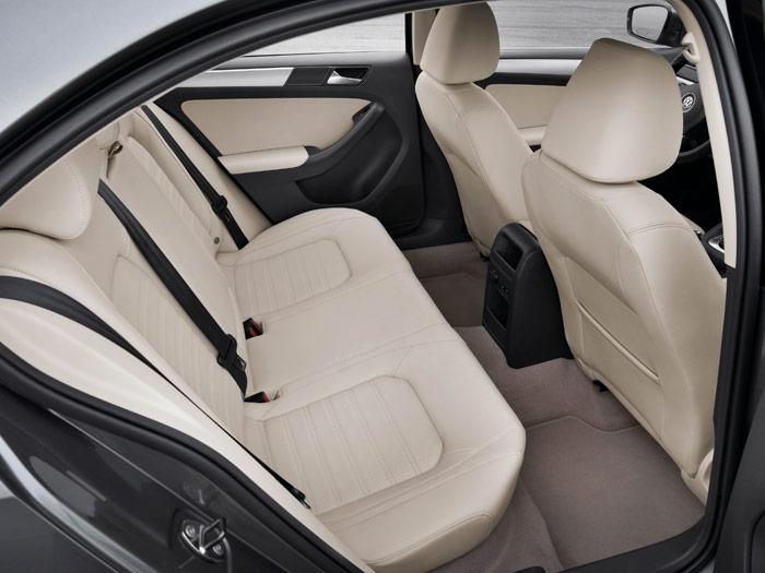 Prueba interesante (1): Volkswagen Jetta Sport 2.0 Tdi. Interior - Trasera